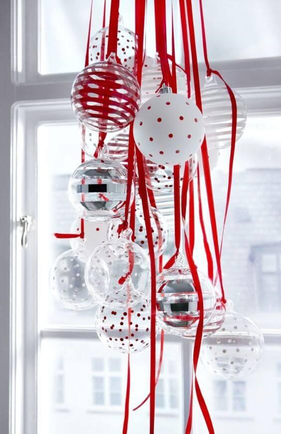 red ribbon Christmas balls