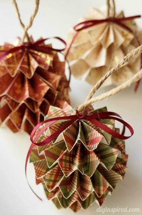 paper-christmas balls