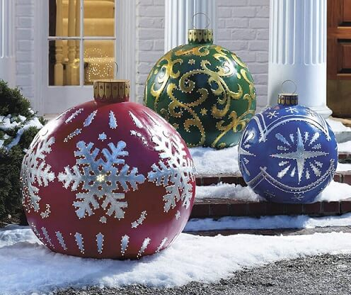 Giant Christmas balls Photo by The Green Head