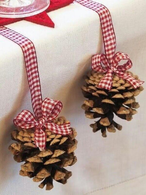 tips for simple Christmas decorations with pinecones Foto MdeMulher