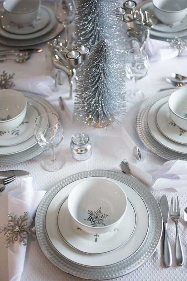 Christmas decorations for modern white and silver table Foto Pinterest