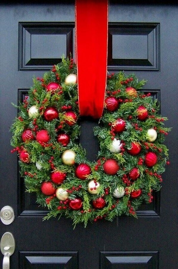 traditional model of Christmas ornament for door with garland decorated with Christmas balls Photo Pinterest