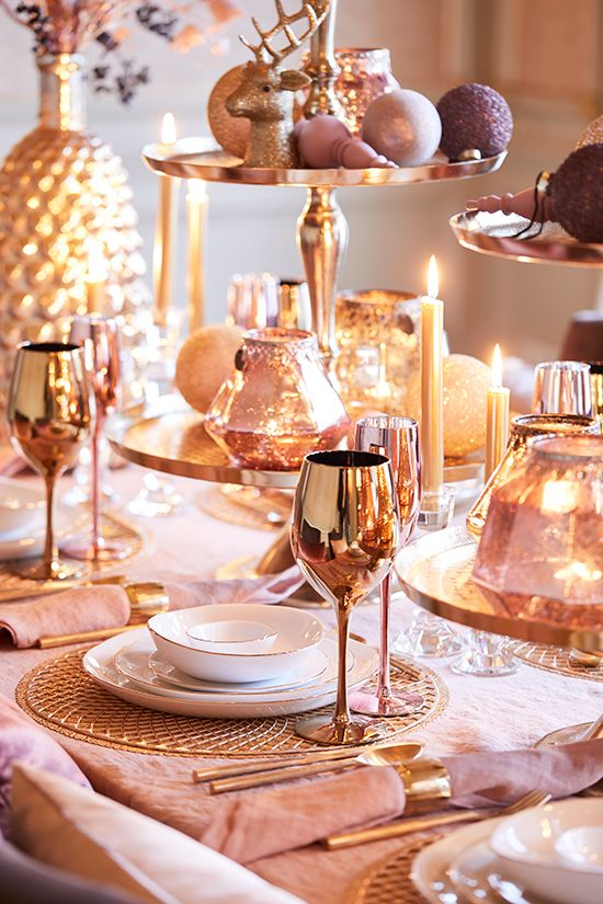 Decoration for rosé gold new year's eve dinner