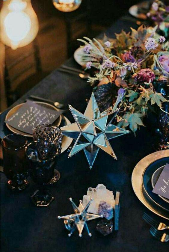 Modern New Year's Eve dinner decor