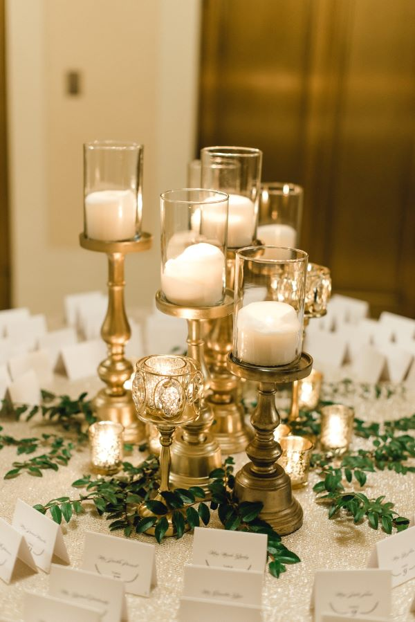 Decorating with reveillon supper