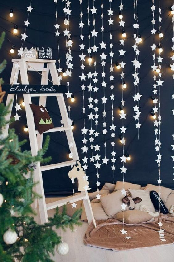 Decoration with stars and lights for new year's eve dinner