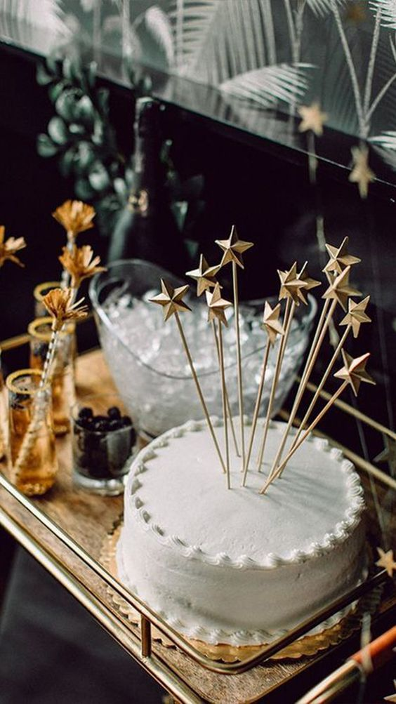 Cake decorated with stars for New Year's Eve dinner