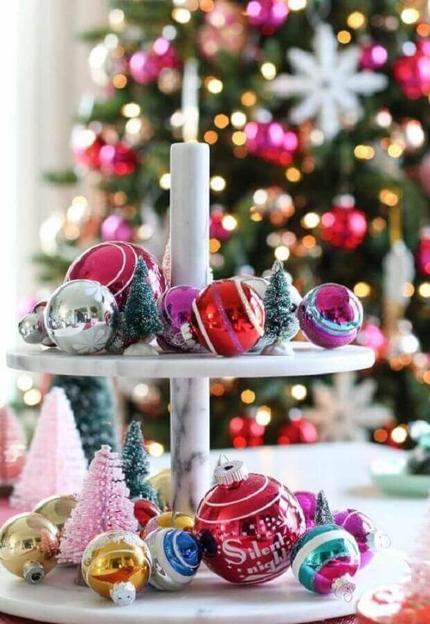 tips for Christmas decorations with colored balls Foto Pinterest