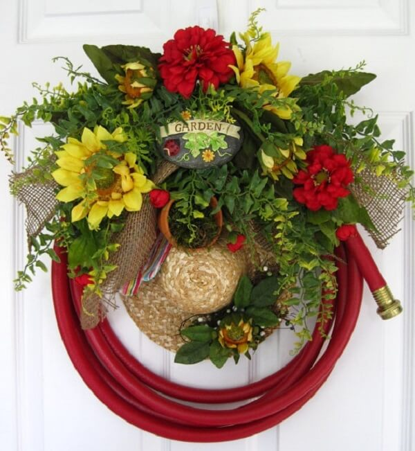 Christmas wreath made with mango tree and straw hat