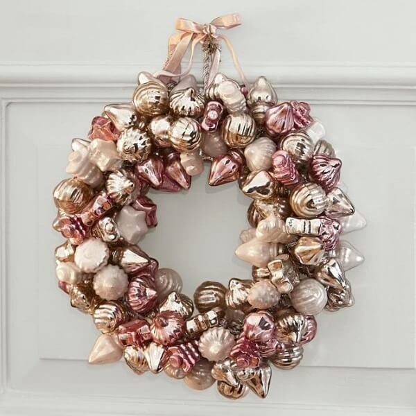 Christmas wreath in Rose Gold tone
