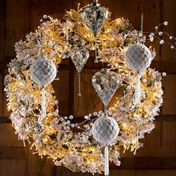 Christmas wreath made in shades of silver and gold