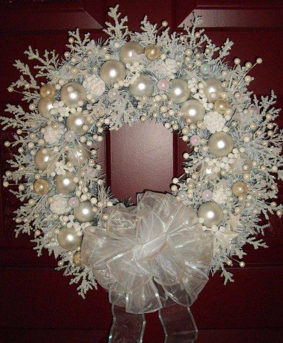 Christmas wreath with white pearls