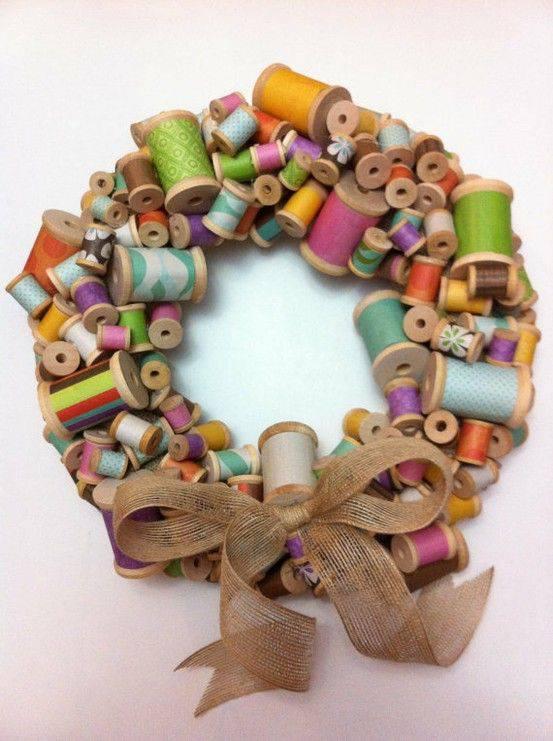 Christmas ornament with rolls of thread diy