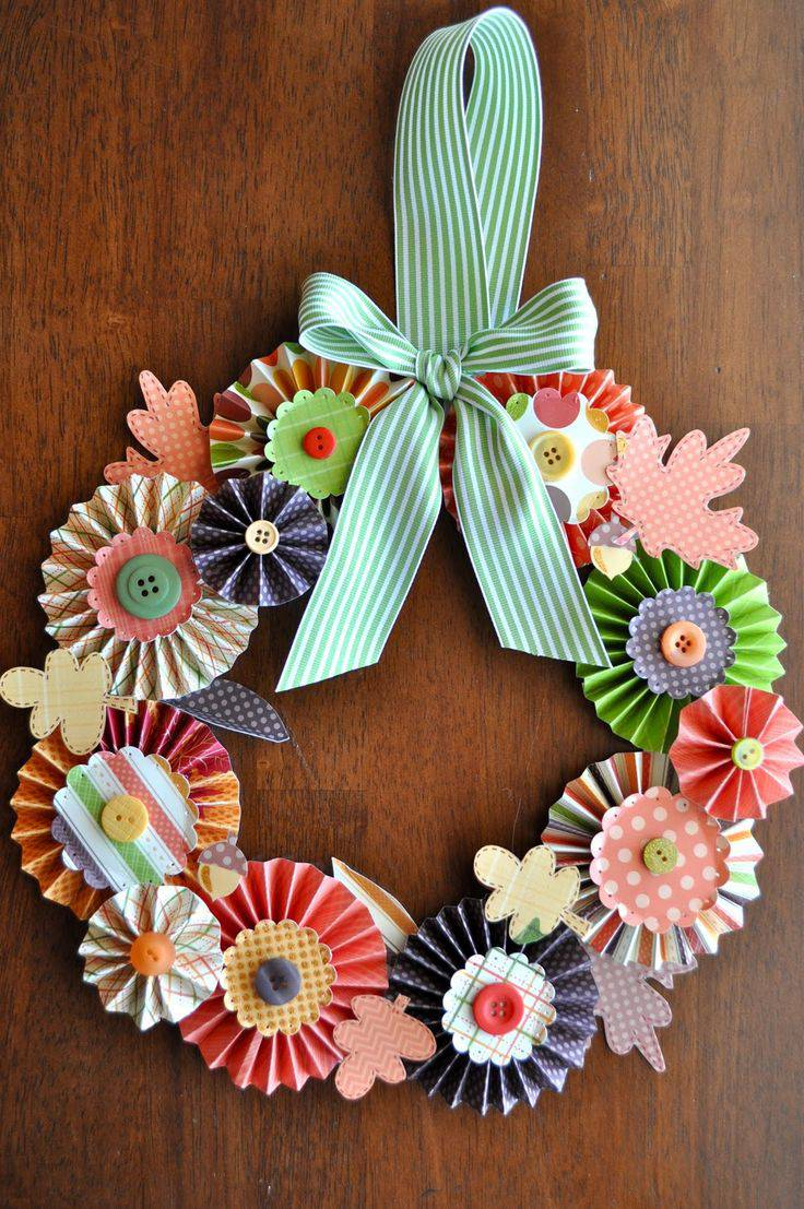 Colored paper Christmas garland