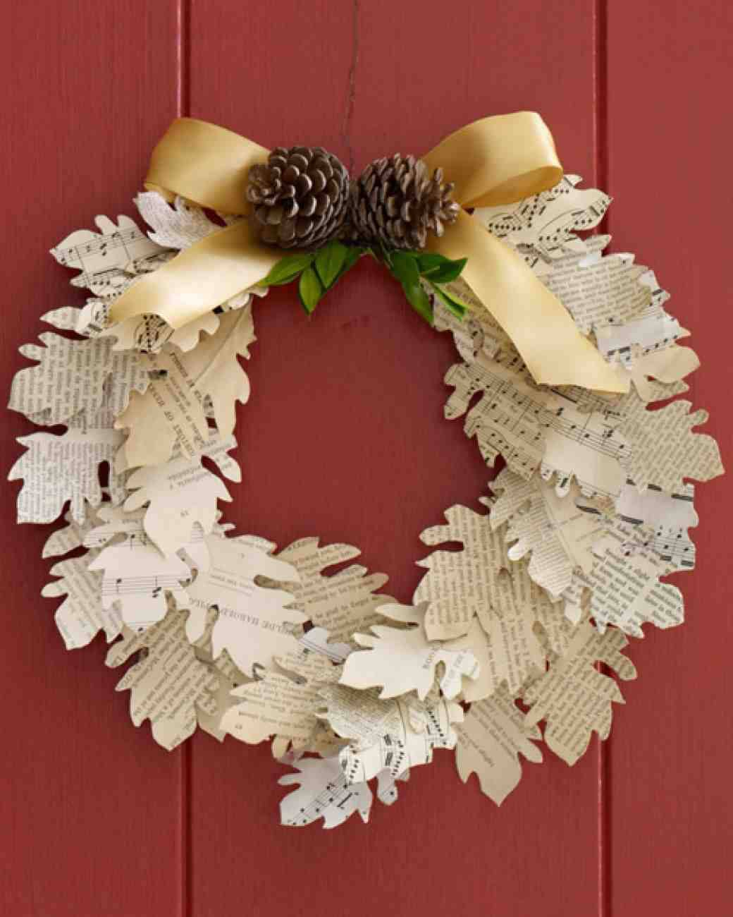 Cut out paper Christmas garland