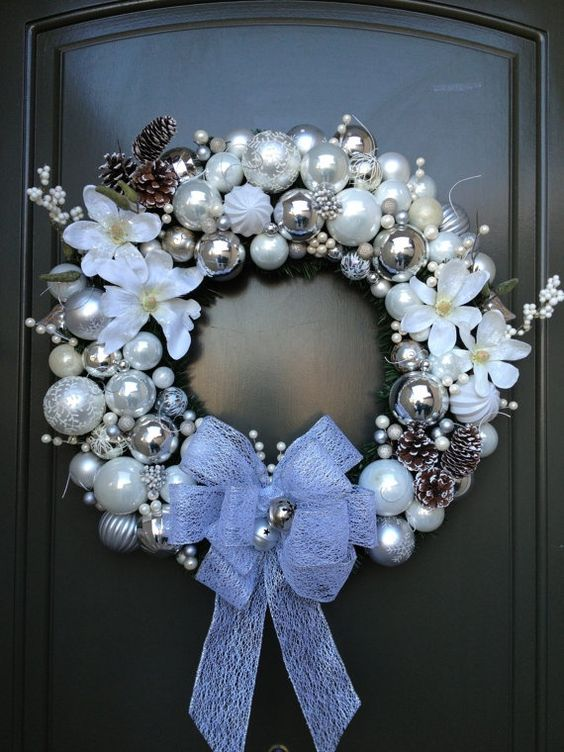 christmas wreath light colors