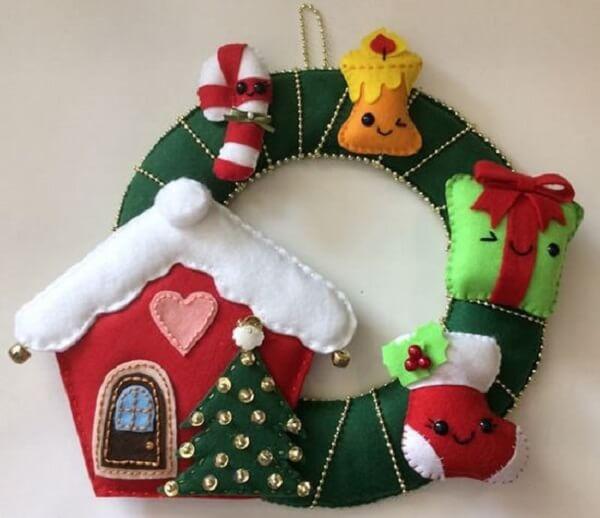 Christmas wreath made with felt elements