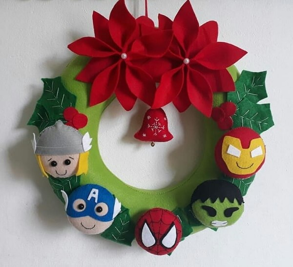 Christmas wreath made with felt characters