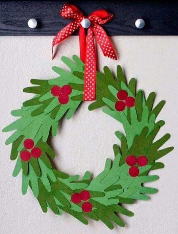 Paper and hand garland Christmas craft