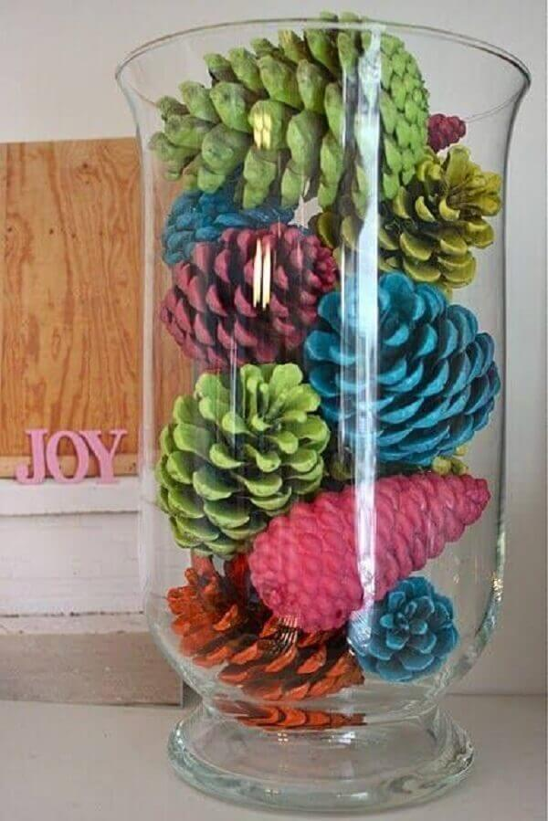 Christmas crafts with colored pinecones crafts