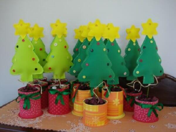 Christmas craft pine tree in E.V.A.