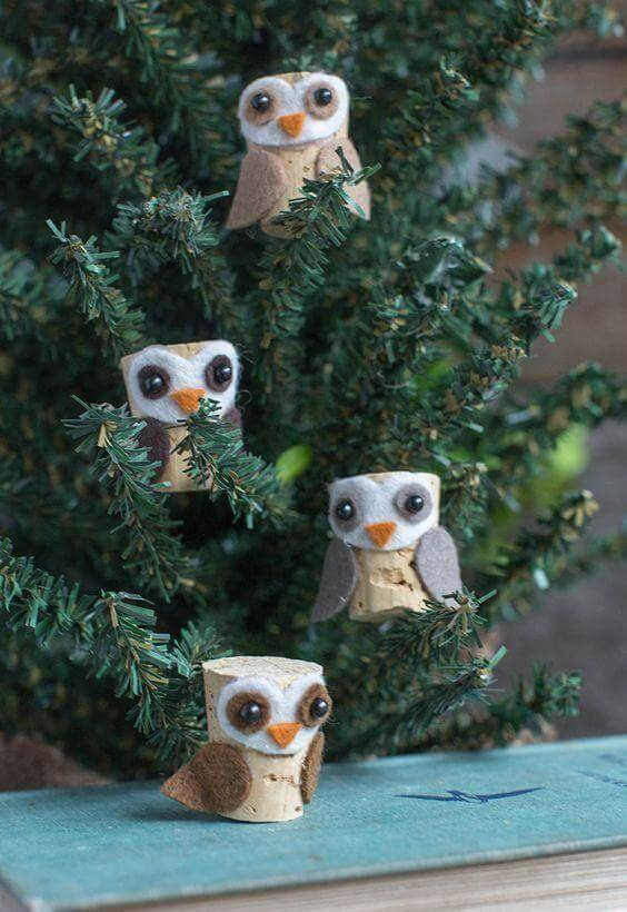 Christmas crafts made with corks form beautiful owls