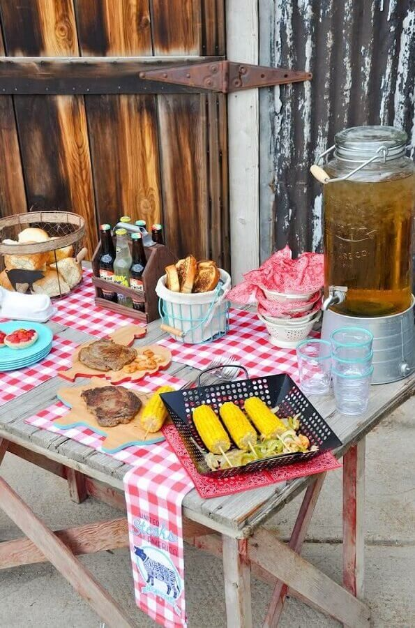 Typical foods for children's party little farm Photo Pinosy