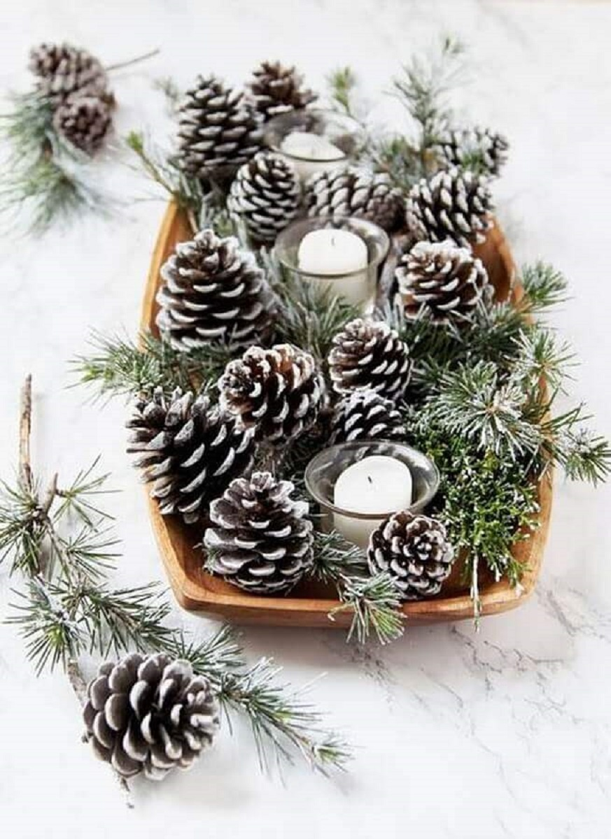 simple christmas arrangement idea with pinecones and candles Photo Loving The Home Life