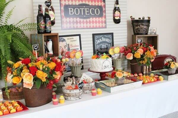 Simple table decorated boteco party