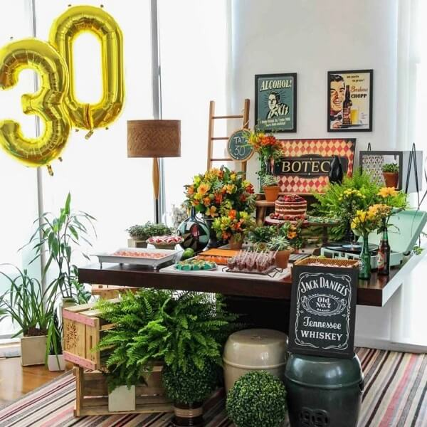 Enjoy plants to decorate the cake table of the boteco party
