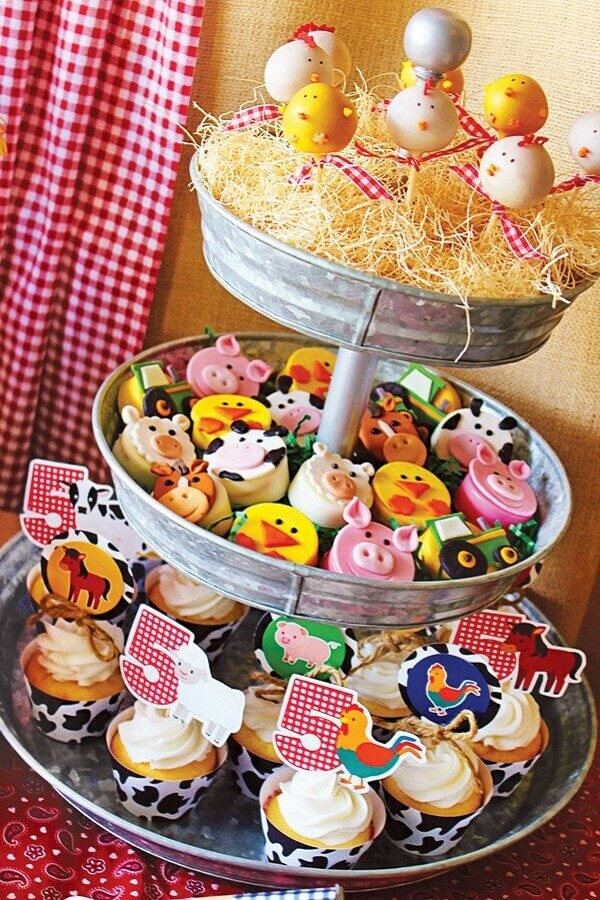 personalized sweets for children's party fazendinha Foto Pinosy