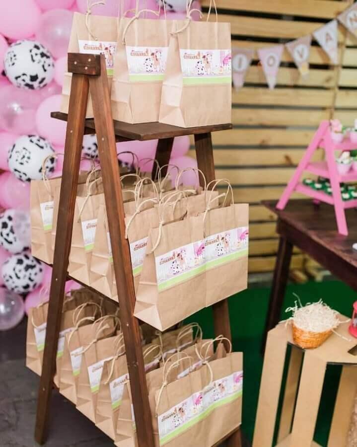 souvenirs for little pink farm party Photo Lary Decore