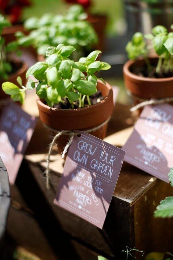 vase of plants for souvenirs little farm party Photo PopSugar
