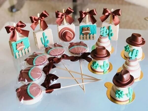 Use cute and creative candies for farmhouse party